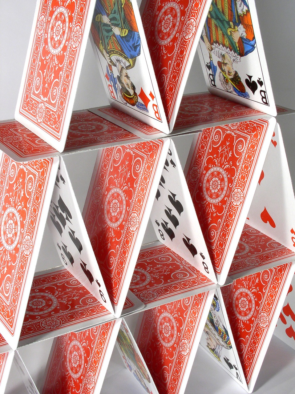 house-of-cards-719701_1280